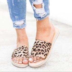 Shoes - SUMMER SALE‼️5 🌟Leopard Espadrille Slides